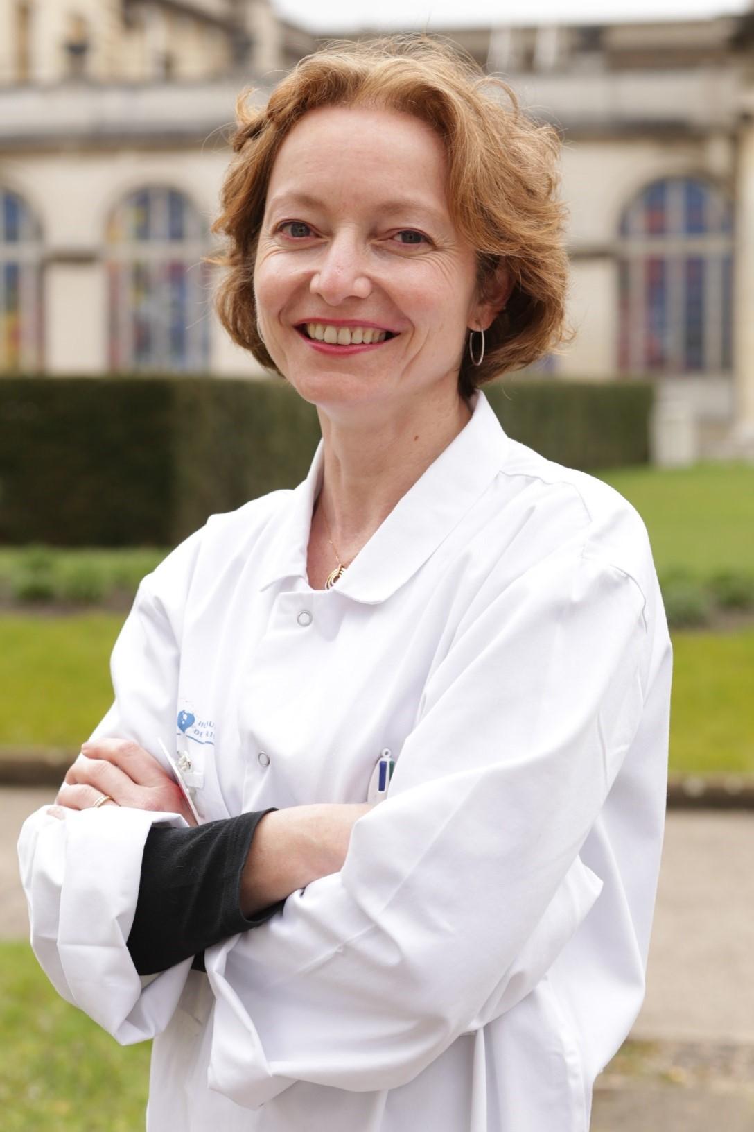 Pr. Claire Paquet